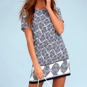 Lulu's blue / white shift dress